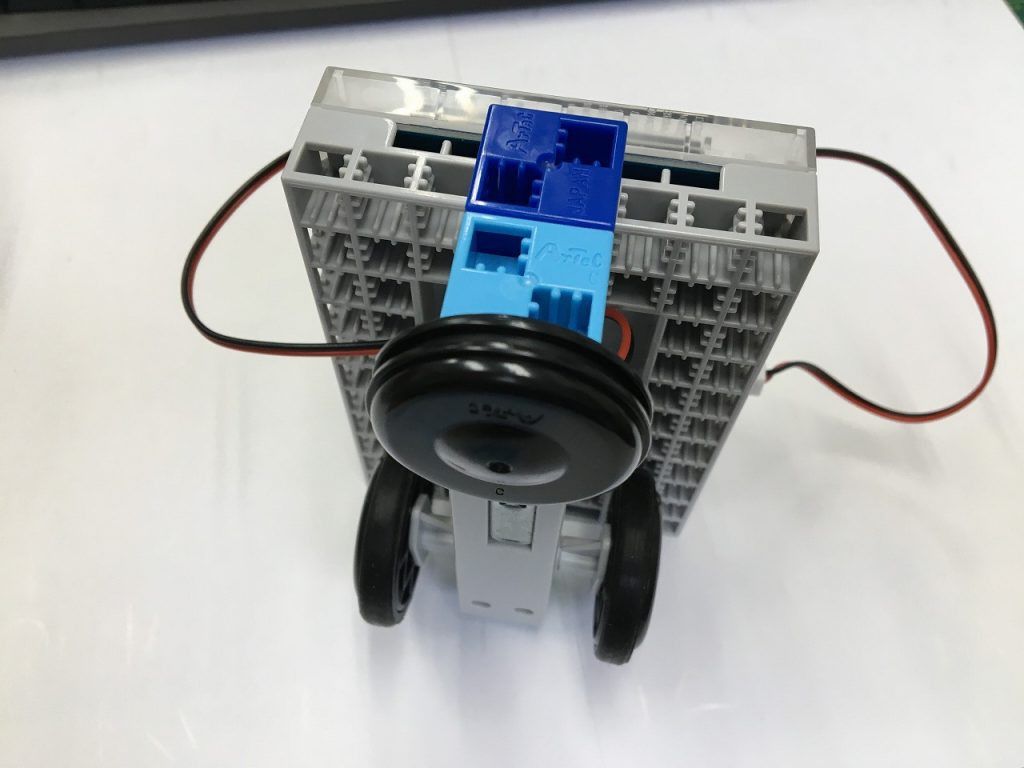 PG推奨セットロボットカー組立6